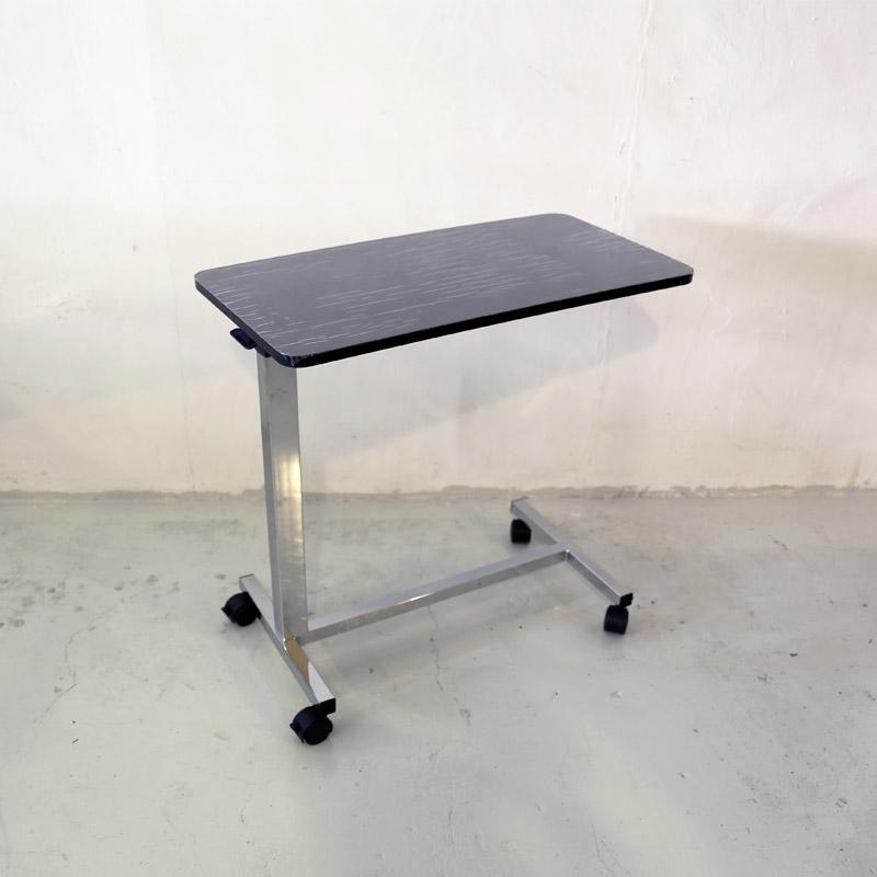 โต๊ะคร่อมเตียงลายไม้สีดำ งานไม้ลามิเนต ปรับแบบโช๊ค รหัส MEU04