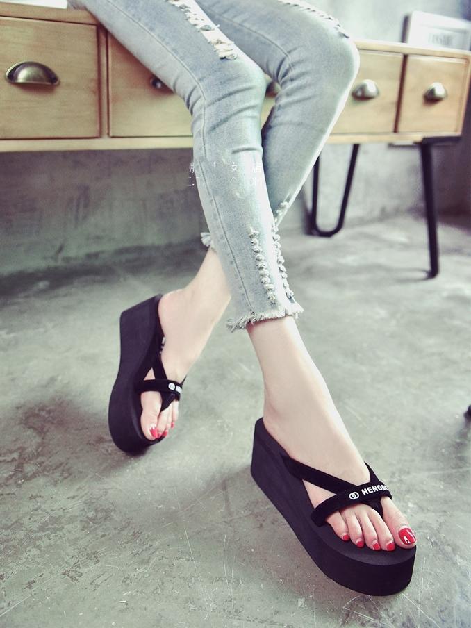 รองเท้าแตะผู้หญิง รองเท้าแตะหูหนีบ รองเท้าแตะมีส้น