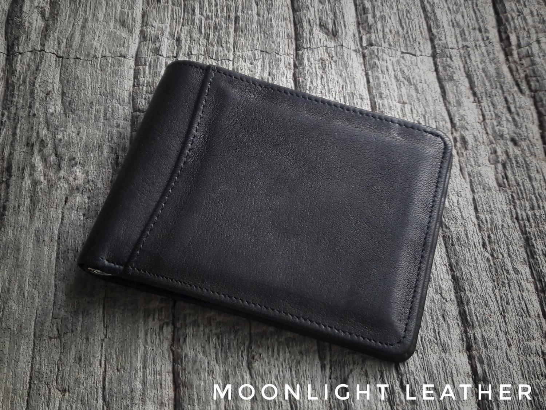 กระเป๋าสตางค์หนังแท้ แบบหนีบธนบัตร รุ่น Mix สีดำ หนังนุ่ม สวย ไม่ลอกร่อน พร้อมกล่องเป็นของขวัญได้
