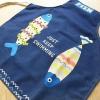 ผ้ากันเปื้อนเด็ก ปลาน้ำเงิน by Supergoods