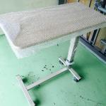 โต๊ะคร่อมเตียงลายไม้ งานไม้ลามิเนต ปรับแบบโช๊ค รหัส MEU03