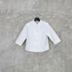 เสื้อสีขาว สุภาพเรียบร้อย