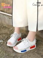 รองเท้าผ้าใบสีขาว ส้นpu เสริมส้น 1.5 นิ้ว ผ้ายึดสีแสดสะท้อนแสง มีรูระบายอากาศ ดีมาก นน เบา ใส่สบาย ใส่ง่ายสามารถ ดึงรัดส้นแล้วใส่ได้เลย