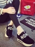 รองเท้าผ้าใบสีดำ วัสดุทำจากผ้า สักราจ สกีนอักษร NO พื้น pu นน เบา สูง 1.5 นิ้ว สวมใส่ง่าย เป็น เมจิกเทป เเปะๆดึงๆ สินค้า จริงสวย