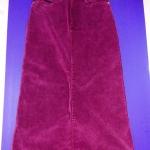 กระโปรงลูกฟูกยาวเข้ารูป เนื้อนิ่มผ้ายืดนิดหน่อยสีม่วงแดงสดใส ยาว 36 นิ้ว เอว 27 นิ้ว
