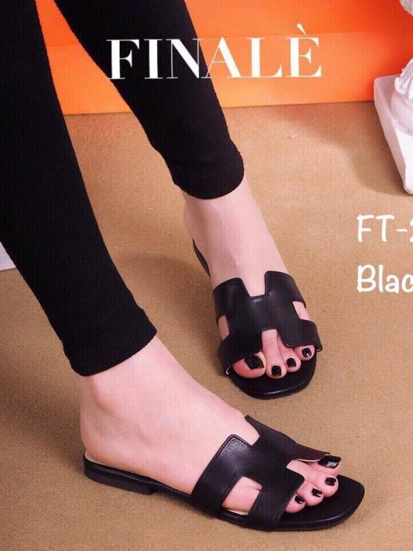 รองเท้าแตะส้นเตี้ย สไตล์H (สีดำ )