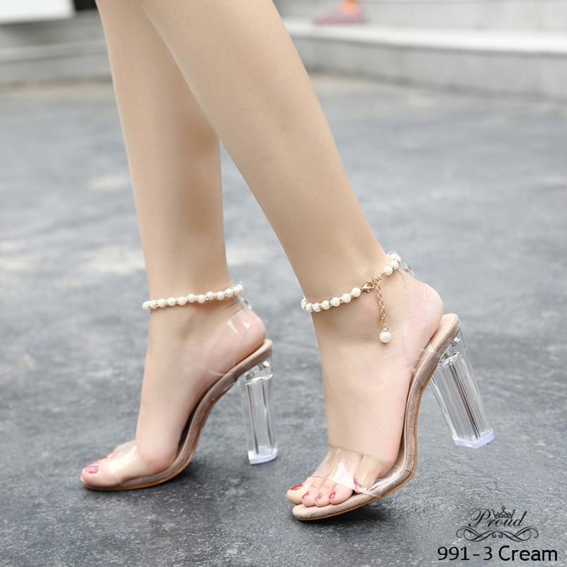 รองเท้าส้นสูงรัดข้อสีครีม วัสดุพียูใสเนื้อนิ่ม สายรัดข้อสร้อยไข่มุก (สีครีม )