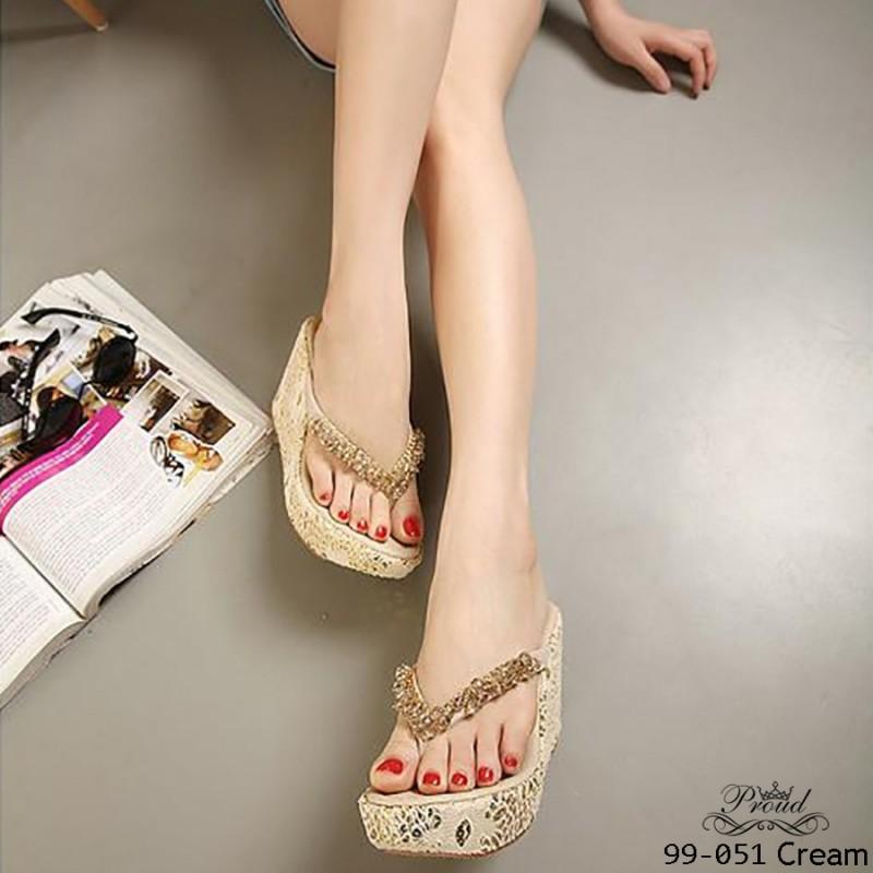 รองเท้าส้นเตารีดแบบคีบสีครีม สไตล์โบฮีเมียน (สีครีม )