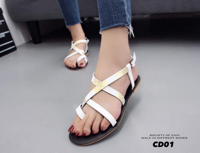 รองเท้าแตะรัดส้นสีขาว Style Christian Dior (สีขาว )