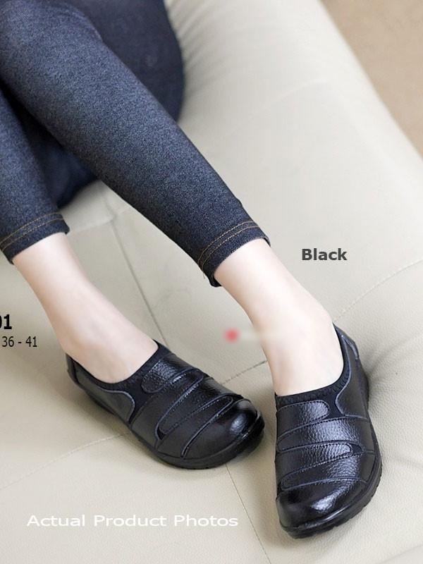 รองเท้าคัทชูผู้หญิง สไตล์ลำลอง (สีดำ )