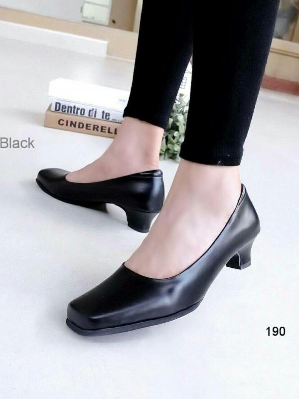 รองเท้าคัทชูส้นเตี้ย หัวตัด ทรงสุภาพ (สีดำ)