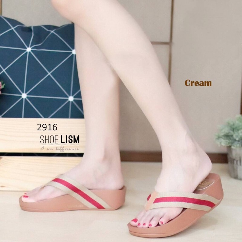 รองเท้าแตะพื่อสุขภาพสีครีม แต่งสายคาดสลับสีสไตล์กุชชี่ (สีครีม )