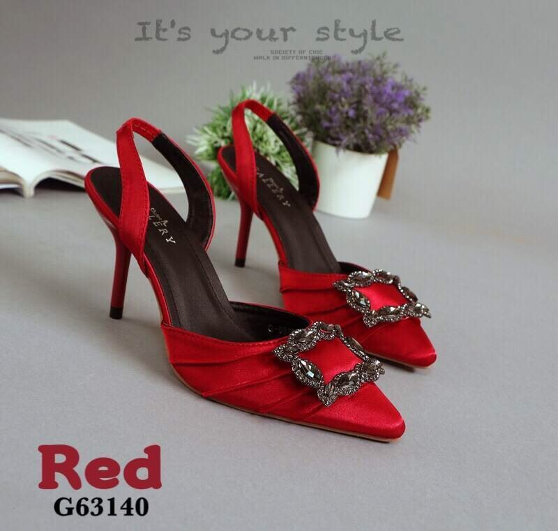 รองเท้าส้นเข็มรัดส้นสีแดง หัวแหลม สไตล์Manolo Blahnik (สีแดง )
