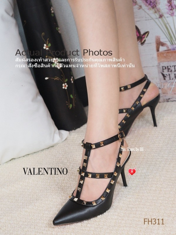 รองเท้าส้นสูงรัดส้นสีดำ VALENTINO Rockstud Heel Style (สีดำ )