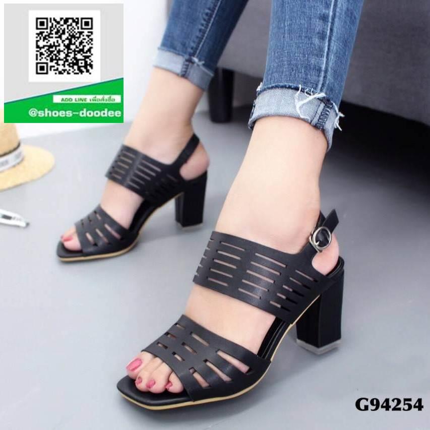 รองเท้าส้นสูงรัดส้นสีดำ สายคาดหน้าหนังนิ่มฉลุลาย (สีดำ )
