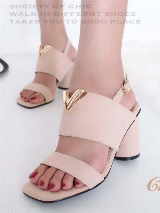 รองเท้าส้นสูงรัดส้น ผ้าสักหราดนิ่ม ส้นกลม (สีครีม )