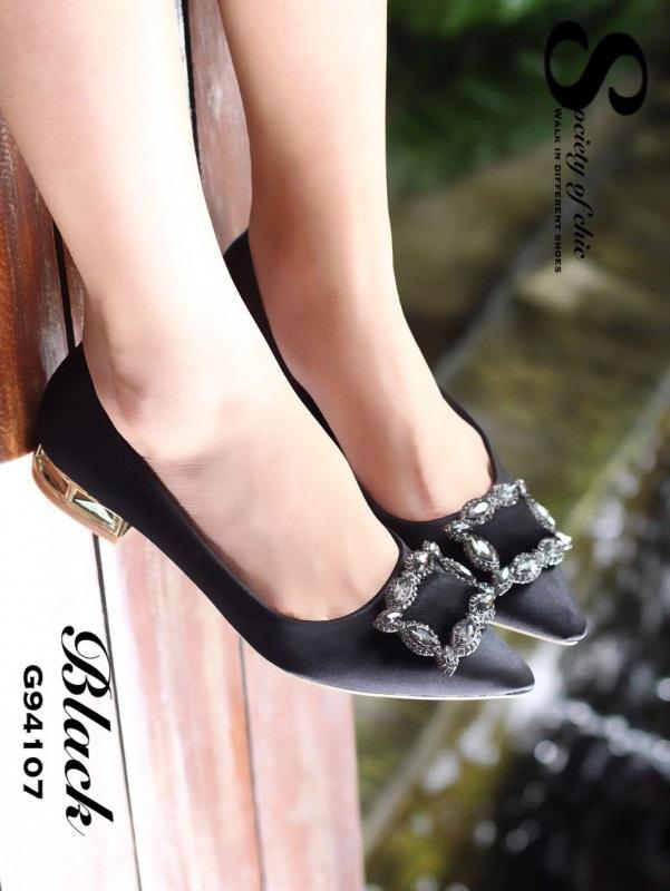 รองเท้าคัทชูหัวแหลมสีดำ ส้นเตี้ย สไตล์แบรนด์ Manolo (สีดำ )