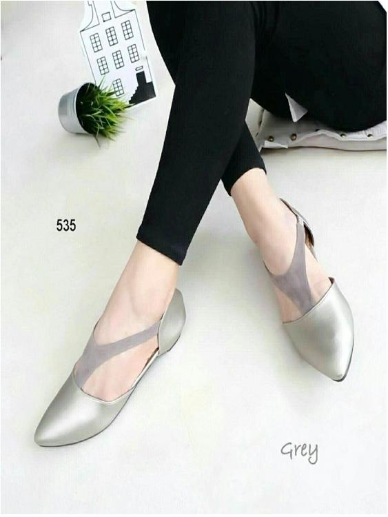 รองเท้าส้นเตี้ยรัดส้น หัวแหลม สไตล์Zara (สีเทา )
