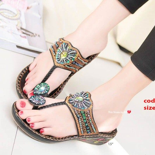 รองเท้าแตะแฟชั่นสีดำ Flowery Sandals (สีดำ )