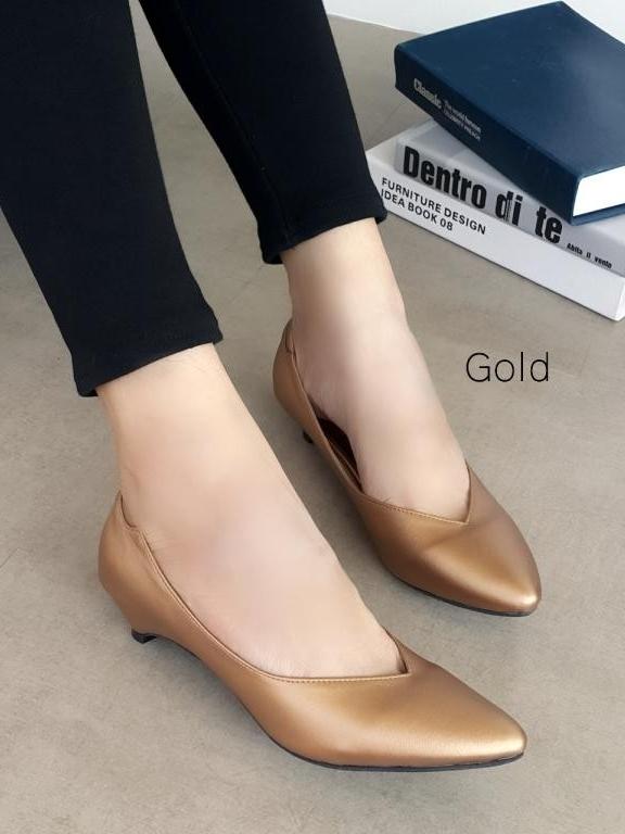 รองเท้าคัทชูส้นเตี้ย หัวแหลม หน้าวี (สีทอง)