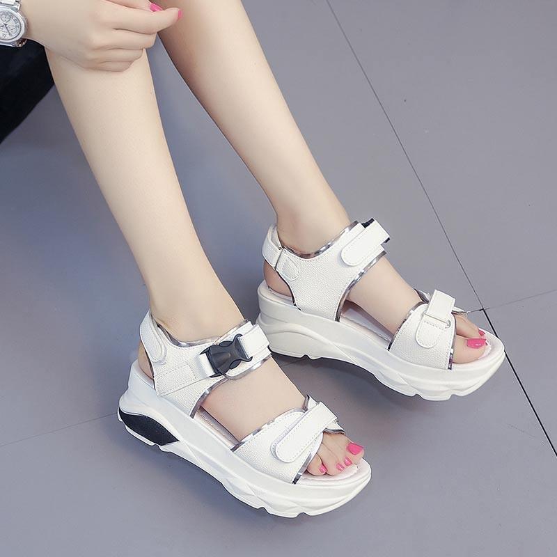 รองเท้าแตะรัดส้นสีขาว พื้นหนา ใส่กระชับเท้า (สีขาว )