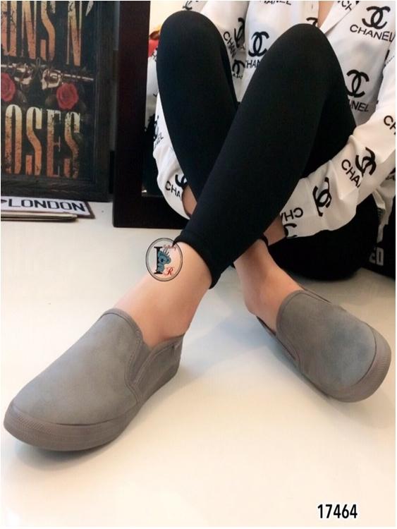 รองเท้าผ้าใบ แบบสวม หนังกลับ รุ่นขายดี (สีเทา )