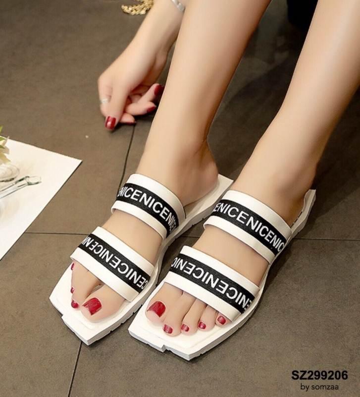 รองเท้าแตะแฟชั่นสีขาว เปิดส้น งานสไตล์ลำลองเกร๋ๆ (สีขาว )