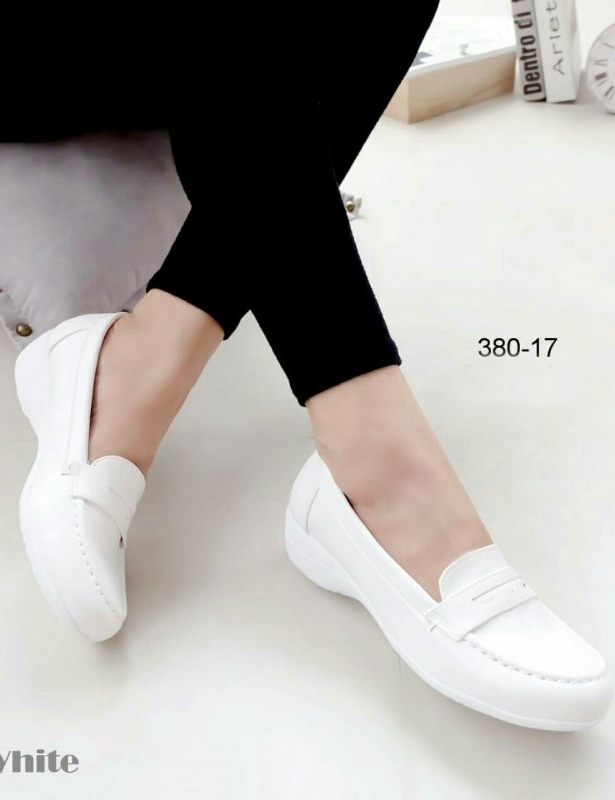 รองเท้าคัทชูนางพยาบาล ใส่ลำลอง (สีขาว )