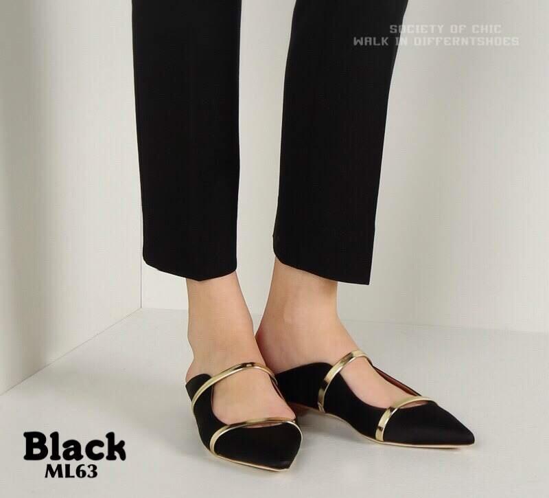 รองเท้าส้นแบนหัวแหลมสีดำ แบบสวมเปิดส้น สไตล์ MALONE (สีดำ )