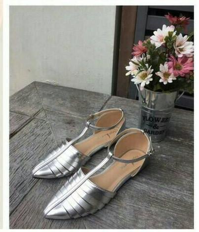 ลดล้างสต๊อก รองเท้าส้นแบน NF84-55-SIL [สีเงิน]