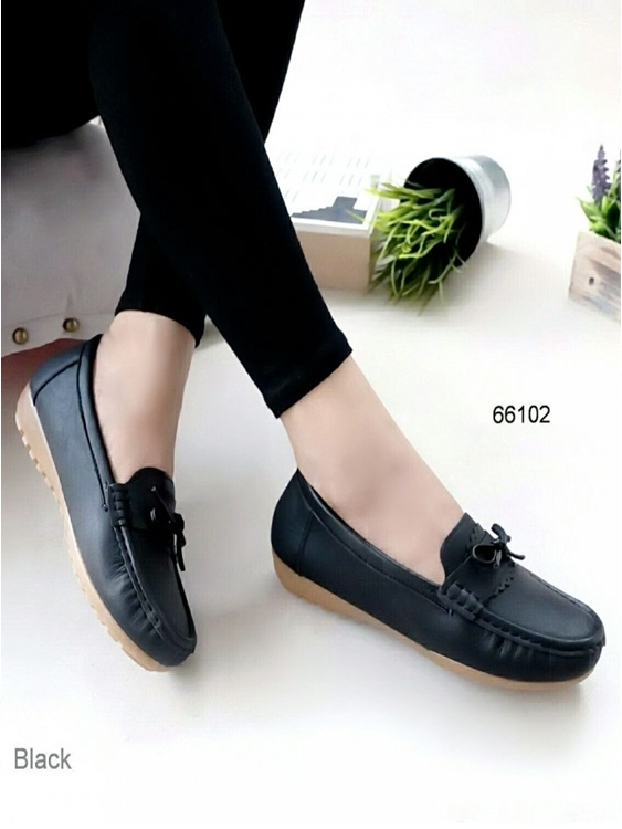 รองเท้าหุ้มส้นผู้หญิง สไตล์Loafer (สีดำ )