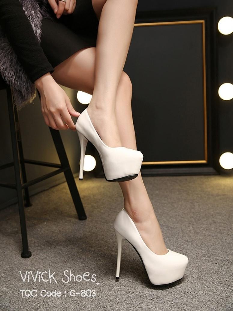 รองเท้าคัทชูส้นสูง ทรงเปิดหน้า (สีขาว )