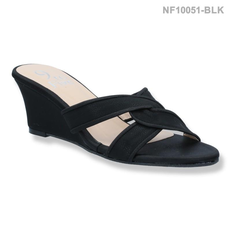 ลดล้างสต๊อก รองเท้าส้นเตี้ย NF10051-BLK [สีดำ]