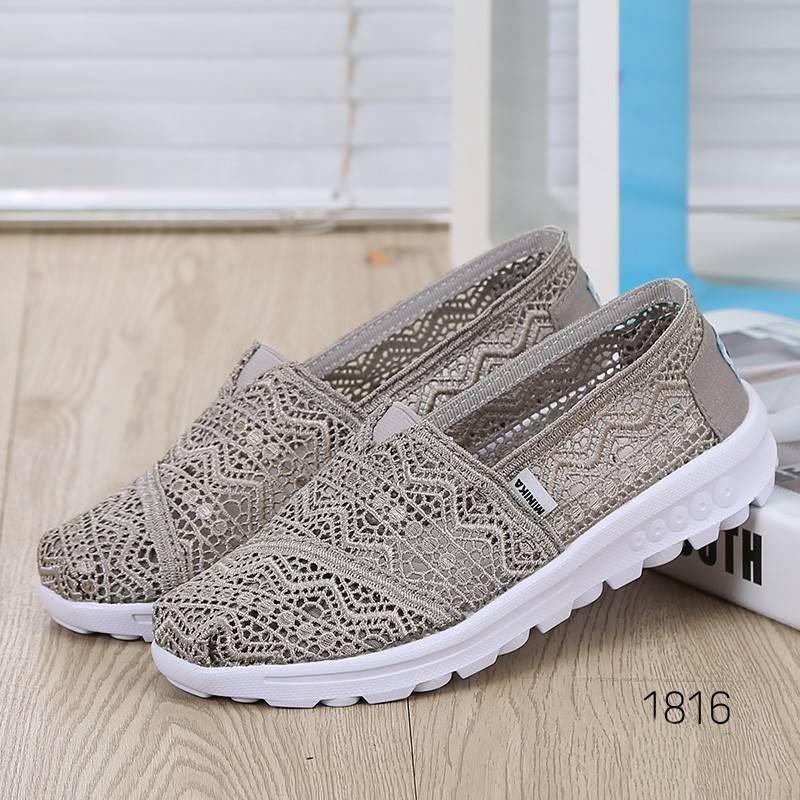 รองเท้าผ้าใบลูกไม้สีเทา พื้นสุขภาพ ผ้าลูกไม้โปร่งใส่สบาย (สีเทา )