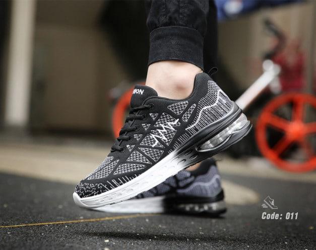 รองเท้าผ้าใบ ทรง SPORT-Black Black [สีดำ]