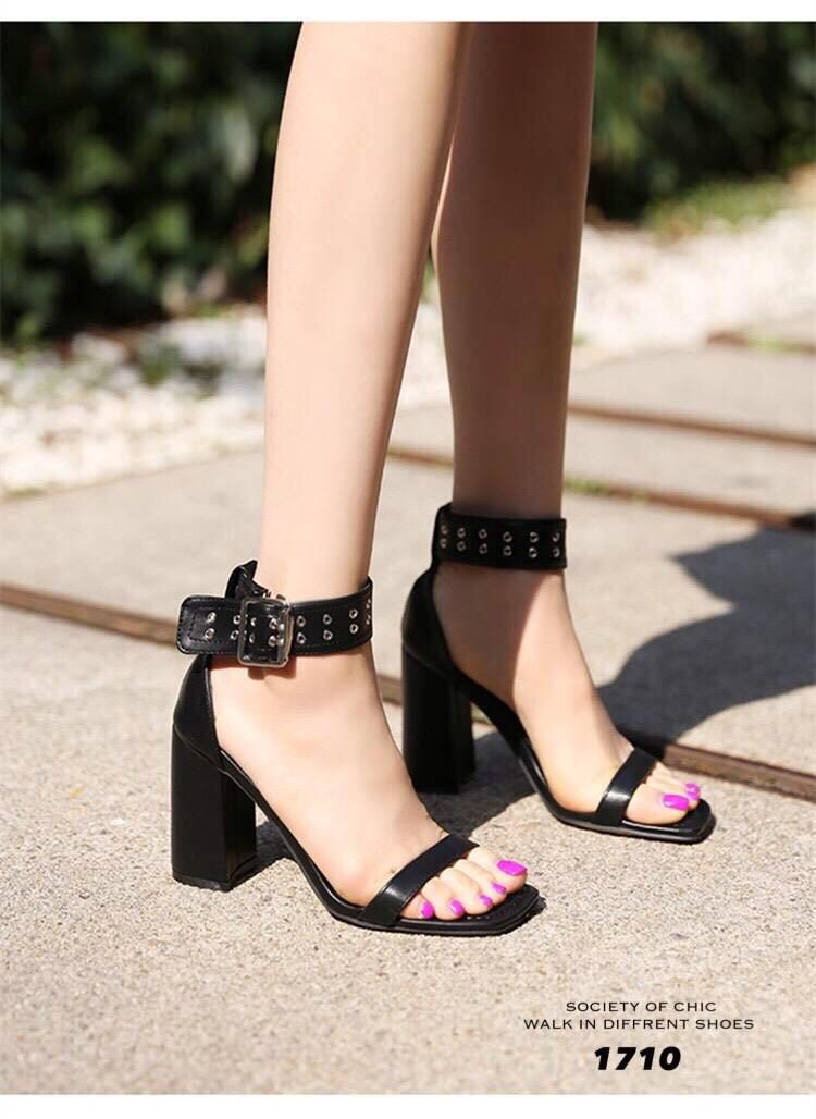 รองเท้าส้นตันรัดข้อสีดำ สายรัดข้อตอกตาไก่ (สีดำ )
