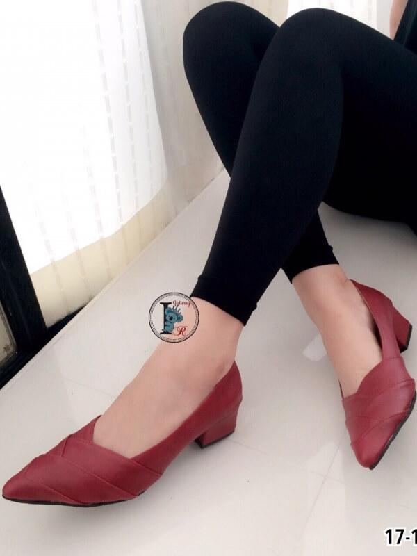 รองเท้าคัทชู ส้นสูง หัวแหลม หน้าวี หนังซ้อน (สีแดง )