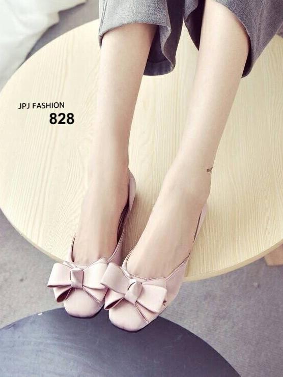 รองเท้าคัทชูส้นเตี้ย หัวตัด แต่งโบว์สีเงิน (สีชมพู )
