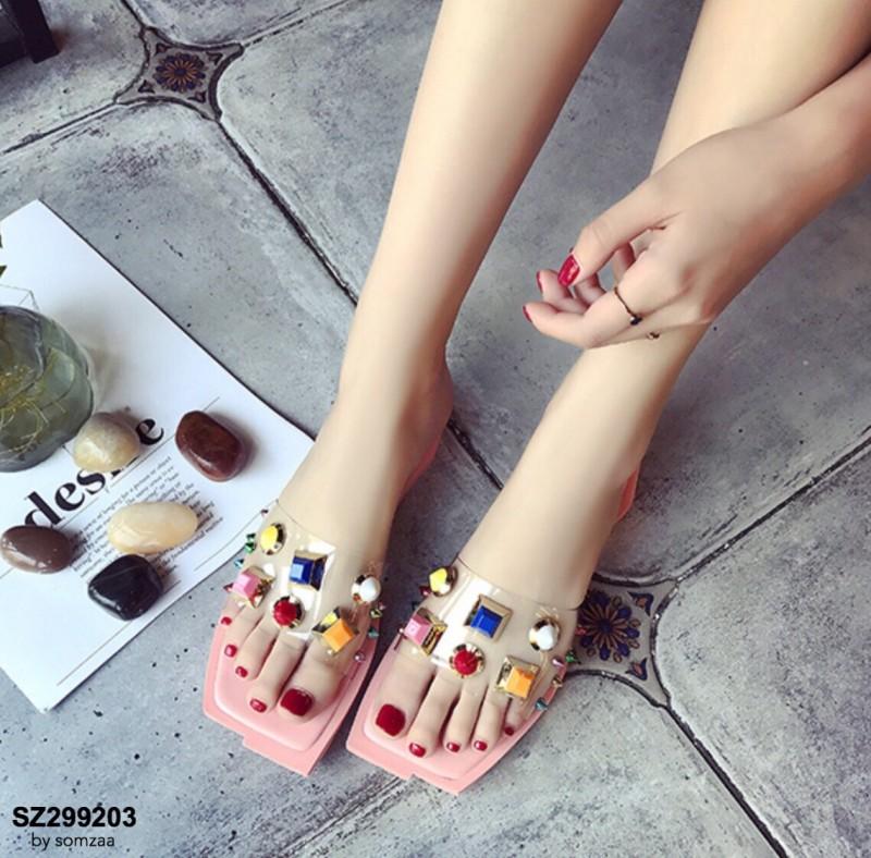 รองเท้าแตะแฟชั่นสีชมพู สายคาดพลาสติกใส ไม่บาดเท้า (สีชมพู )