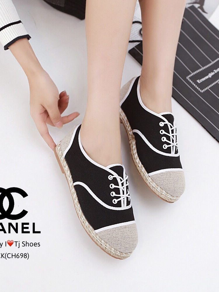 รองเท้าผ้าใบผู้หญิง ผ้าแคนวาส เพิ่มความเก๋ด้วยเชือกปอถัก STYLE CHANEL (สีดำ )