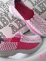 รองเท้าผ้าใบสีชมพู สไตล์สุขภาพ ยางยืดกระชับเท้า พื้นยางกันลื่นอย่างดี นิ่ม นน.หนักเบา ไม่มีเอ้าท์