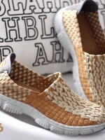 รองเท้าผ้าใบสีเบจ สไตล์สุขภาพ ยางยืดกระชับเท้า พื้นยางกันลื่นอย่างดี นิ่ม นน.หนักเบา ไม่มีเอ้าท์