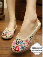 รองเท้าแตะสีครีมสไตล์ลำลอง งานปักจีนลวดลายดอกไม้ เนี๊ยบ เป๊ะ วัสดุผ้าแคนวาส ซ่อนส้นด้านใน1นิ้ว นิ่มมาก