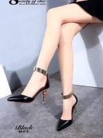 รองเท้าส้นสูง หัวแหลม สายรัดข้อสีทอง (สีดำ )