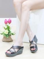 รองเท้าส้นเตารีด เปิดส้น สายไขว้ (สีเทา )