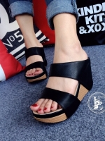 รองเท้าส้นเตารีด แบบสวม สายคาด2ระดับ (สีดำ )