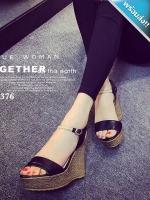 รองเท้าส้นเตารีดสีดำ ส้นหวาย มีสายรัดข้อเท้า เข็มขัดปรับระดับได้ ทรงทันสมัย แม็ชกับชุดง่าย แฟชั่นเกาหลี แฟชั่นพร้อมส่ง