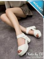 รองเท้าส้นสูงผู้หญิงสีขาว ทำจากหนังPUนิ่ม หน้าสวมเรียบๆ ทรงสวย เก็บหน้าเท้าได้ดี พื้นอย่างดี นิ่มเบาเท้า ใส่สบาย