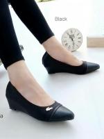 รองเท้าคัทชูส้นเตารีด หัวแหลม (สีดำ)