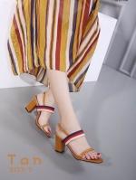 รองเท้าส้นตันรัดส้นสีแทน ทรง Maxi สายคาดยางยืด (สีแทน )